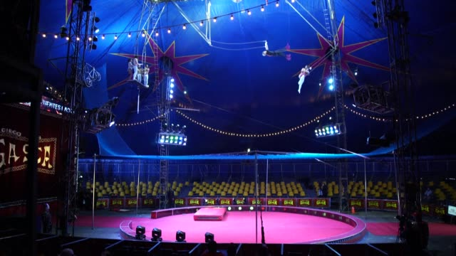 COL: Colombia: The circus may not be coming to town but it's going online