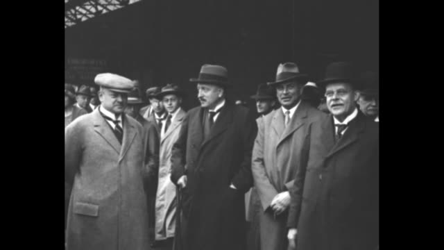the german delegation with gustav stresemann at left and wilhelm marx at right / marx / stresemann / note exact day not known - erster weltkrieg stock-videos und b-roll-filmmaterial