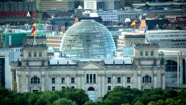 ドイツのベルリンライヒスターク(ドイツ連邦議会議事堂) - parliament building点の映像素材/bロール