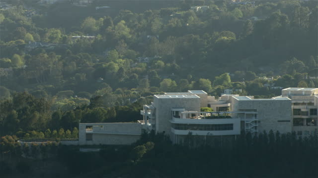 the getty center, a campus of the j. paul getty museum, in los angeles, california. - 20世紀のスタイル点の映像素材/bロール