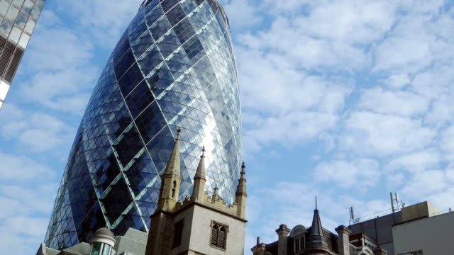 Der Wolkenkratzer Gherkin in der City of London