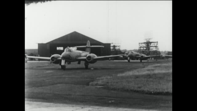 the gloster meteor was the first british jet fighter and the allies' only jet aircraft to achieve combat operations during the second world war. the... - jagdflugzeug stock-videos und b-roll-filmmaterial