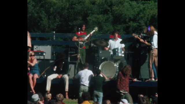 vídeos de stock e filmes b-roll de the grateful dead plays at the human bein summer solstice hippies and rock and roll in golden gate park - love in
