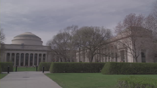 the great dome of the massachusetts institute of technology overlooks killian court. - courtyard stock videos & royalty-free footage