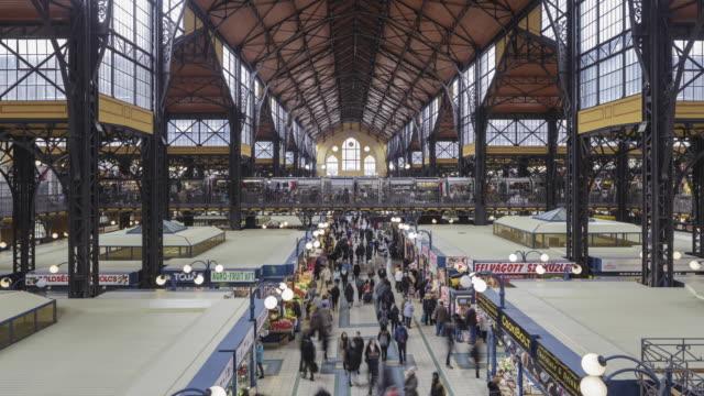 vidéos et rushes de the great market hall in budapest, hungary. - culture hongroise