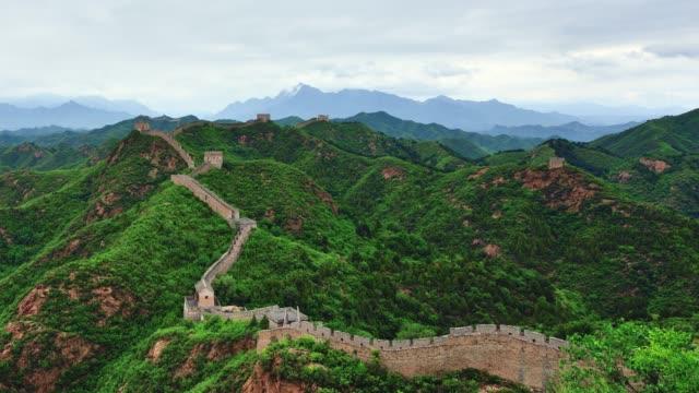 vídeos y material grabado en eventos de stock de 4k: la gran muralla en el lapso de tiempo, china - patrimonio de la humanidad por la unesco
