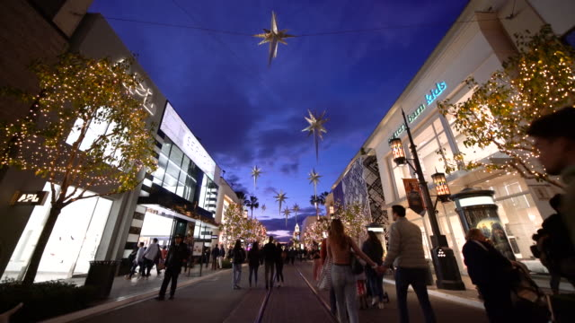 the grove at christmas - the grove los angeles stock-videos und b-roll-filmmaterial