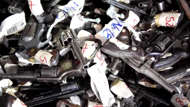 The Guatemalan army destroyed Thursday more than 5000 guns used by criminals and seized by the police