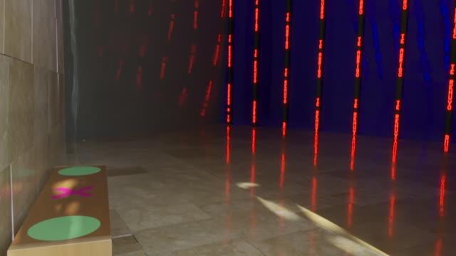 the guggenheim museum bilbao reopens its facilities after the coronavirus shutdown. the public will be able to enjoy the visit between 11:00 and... - bländare bildbanksvideor och videomaterial från bakom kulisserna