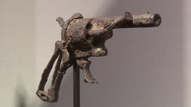 FRA: Pistol used in Van Gogh suicide on auction in Paris