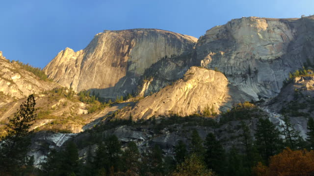 the half dome from mirror lake in yosemite valley. - half dome stock videos & royalty-free footage