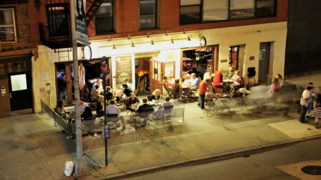 stockvideo's en b-roll-footage met lapse the half king bar restaurant lower west side manhattan chelsea new york city near high line public park vicinity usa time lapse chelsea new... - bar gebouw