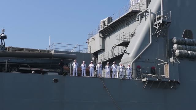 stockvideo's en b-roll-footage met the harpers ferryclass dock landing ship uss oak hill returns to its homeport joint expeditionary base little creekfort story virginia following a... - amerikaanse zeemacht