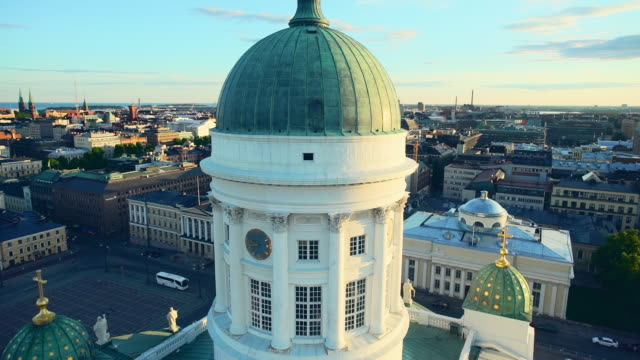 stockvideo's en b-roll-footage met the helsinki cathedral at dusk - finland