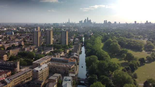 the hertford union canal and victoria park london - horizon over land stock videos & royalty-free footage