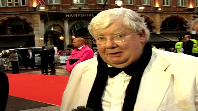 'the history boys' royal film premiere; * * intermittent flash photography throughout * * richard griffiths along to press richard griffiths talking... - the history boys stock videos & royalty-free footage