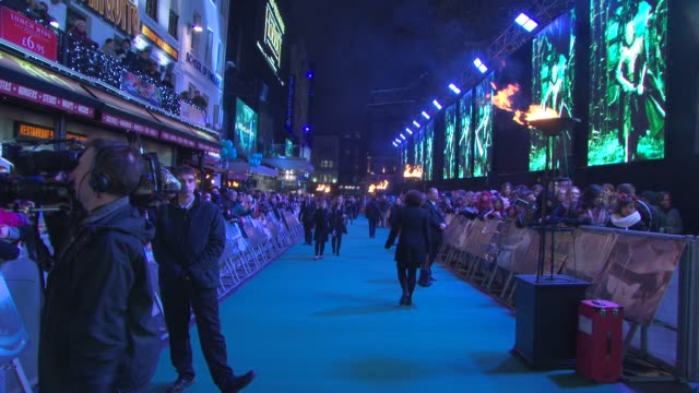 the hobbit: the battle of the five armies' world premiere at odeon leicester square on december 01, 2014 in london, england. - leicester square stock videos & royalty-free footage