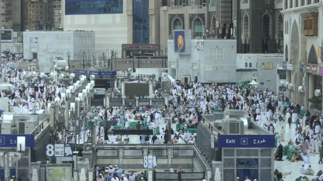 the holy kaaba, mecca saudi arabia. - al haram mosque stock videos and b-roll footage