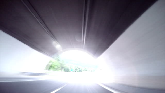 stockvideo's en b-roll-footage met de hoop - tunnel