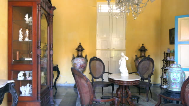 the house is currently decorated with all colonial items it is located in the leoncio vidal park which is a cuban national monument marta abreu was... - vergangenheit stock-videos und b-roll-filmmaterial