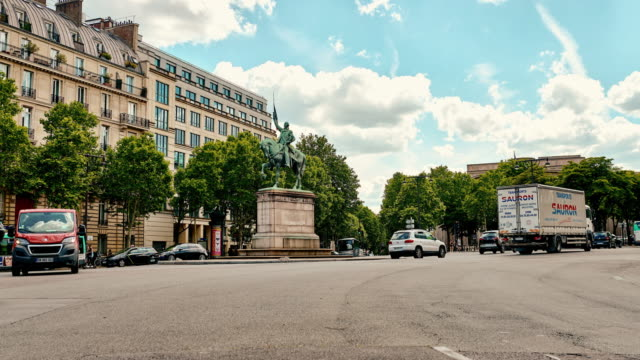 the hustle and bustle of paris - ward stock videos & royalty-free footage