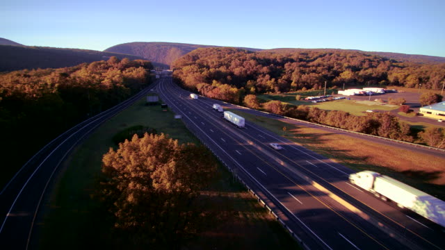 the i-80 columbus highway near by delaware water gap, at the border between new jersey and pennsylvania. aerial drone video footage. - mountain ridge stock videos & royalty-free footage