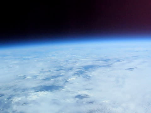 The Icarus project sends a camera high into the stratosphere to take pictures of the Earth from near space.