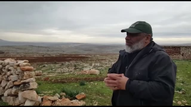 the ihh humanitarian aid foundation chairman bulent yildirim speaks to the press regarding construction of tent campsite in idlib 7 km away from... - hatay stock videos & royalty-free footage