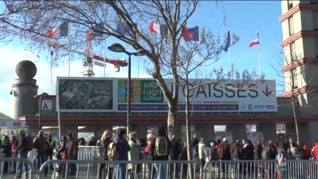 vidéos et rushes de the international agriculture fair of paris at the porte de versailles exhibition center in paris france on march 03 2016 - exposition et salon professionnel