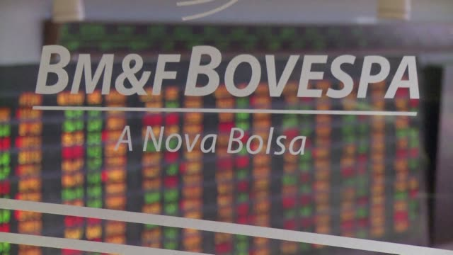 vídeos de stock e filmes b-roll de the international monetary fund predicts a 3% shrinkage in brazils economy this year with a further 1% in 2016 reflecting deepening trouble for latin... - maior