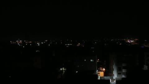 """vidéos et rushes de the israeli army on wednesday targeted two locations of the palestinian hamas group in the northern gaza strip. """"a tank shelled two military... - terrorisme"""