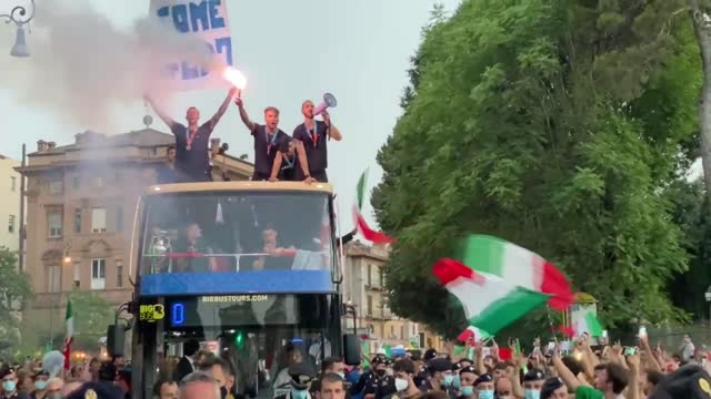 the italian national football team celebrated the euro 2020 victory with fans in the streets of the italian capital rome on monday, july 12, 2021.... - convertible stock videos & royalty-free footage