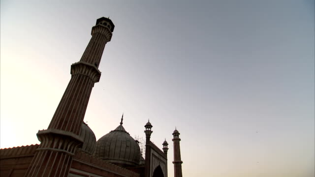 the jama masjid mosque in delhi. - courtyard stock videos and b-roll footage
