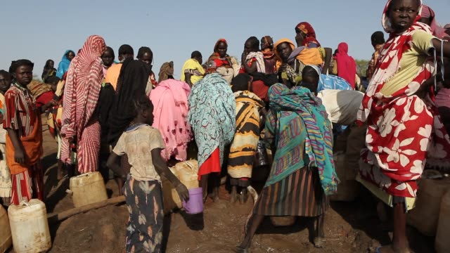 vidéos et rushes de the jamam refugee camp in upper nile state south sudan houses 36500 vulnerable people who have fled across the border from their homes in blue nile... - réfugié