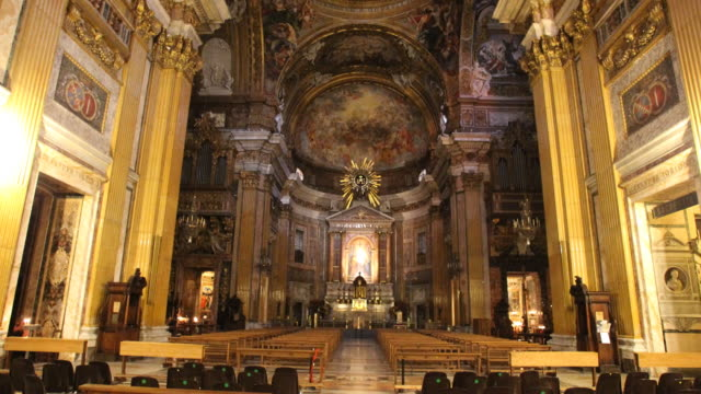 vídeos y material grabado en eventos de stock de the jesuit church il gesù in rome - pope