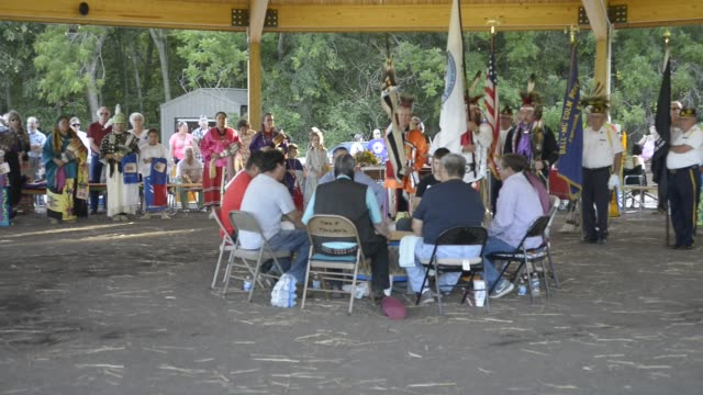 vidéos et rushes de the kaw nation also called the kanza american indian tribe holds its first official powwow in 142 years on its own land near council grove kansas the... - réserve amériendienne