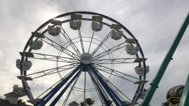 vidéos et rushes de the kemah boardwalk is a 60-acre texas gulf coast theme park in kemah, texas, approximately 30 miles southeast of downtown houston, texas. - gulf coast states