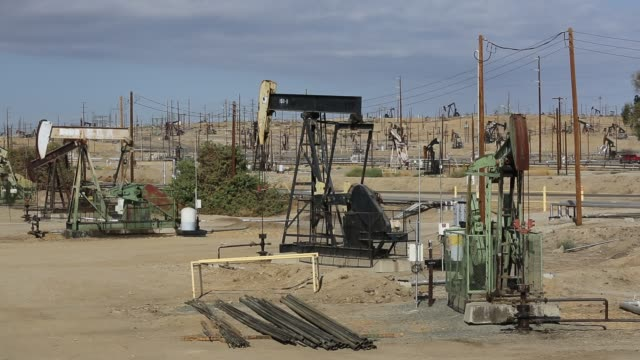 The Kern River oilfield in Oildale,  Bakersfield, California, USA. Following an unprecedented four year long drought, Bakersfield is now the driest city in the USA, driven by climate change. Still Americans fail to make the connection between their addicti