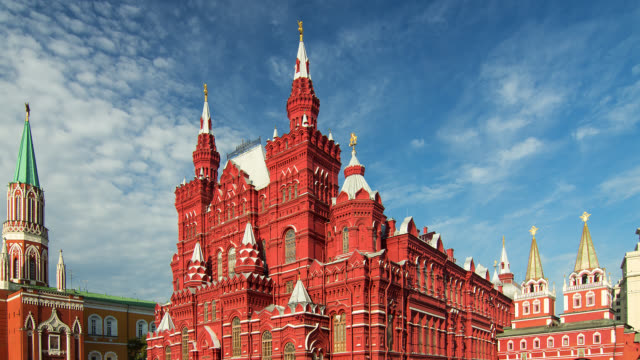 t/l the kremlin and red square - moscow russia stock-videos und b-roll-filmmaterial