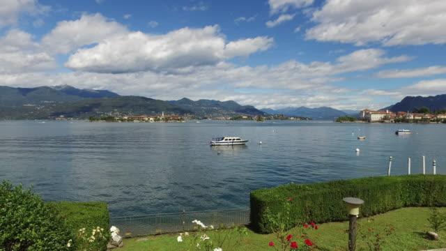 the lake maggiore, in northern italy. golfo borromeo - 40 seconds or greater点の映像素材/bロール