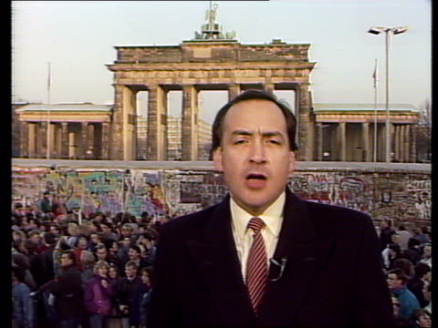 vídeos de stock e filmes b-roll de `the last days of the wall': pab of live broadcast; live i/cams from alastair stewart: - alastair stewart