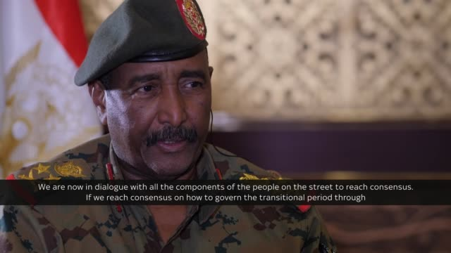 the leader of sudan's military council has told sky news that former president omar albashir will not be handed over to the international criminal... - スーダン点の映像素材/bロール