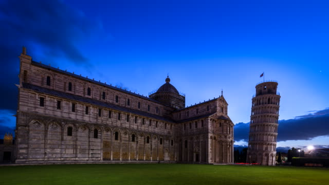 tl zi the leaning tower of pisa, night to day - pisa cathedral stock videos & royalty-free footage