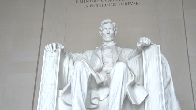 the lincoln memorial in washington d.c. - president stock videos & royalty-free footage