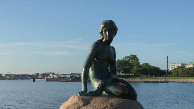 the little mermaid in copenhagen - オーレスン地域点の映像素材/bロール
