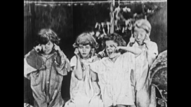 1926 the little rascals anticipate the arrival of santa claus - 1926 stock videos & royalty-free footage