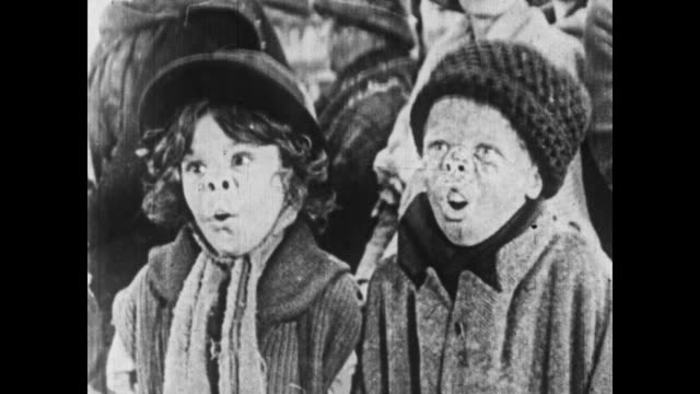 1926 the little rascals press their noses against a glass window - 1926 stock videos & royalty-free footage