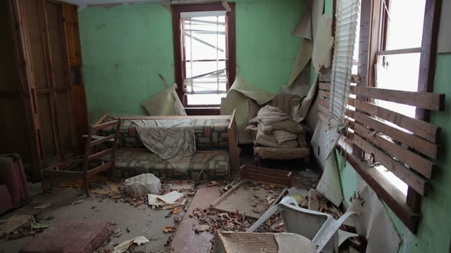 the living room in an abandoned house - rubble stock videos & royalty-free footage