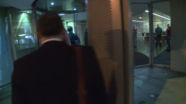 the london offices of cambridge analytica being raided by the information commissioner - 法点の映像素材/bロール