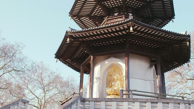 the london peace pagoda - temple building stock videos & royalty-free footage
